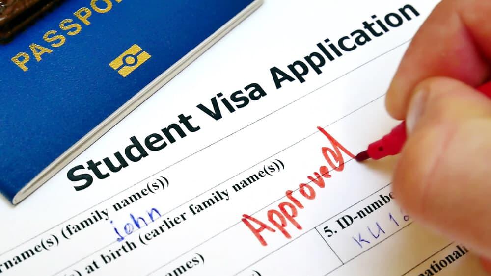 La Aprobación Directa de Visas se expandió en las Américas
